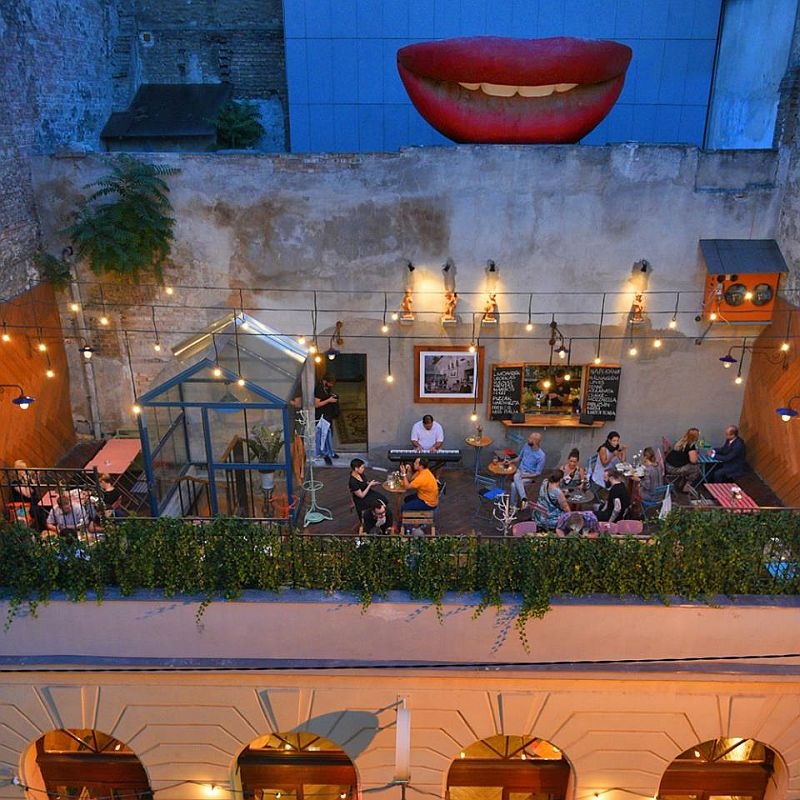 Top 5 Rooftop Bar In Budapest Best Ruinpubs And